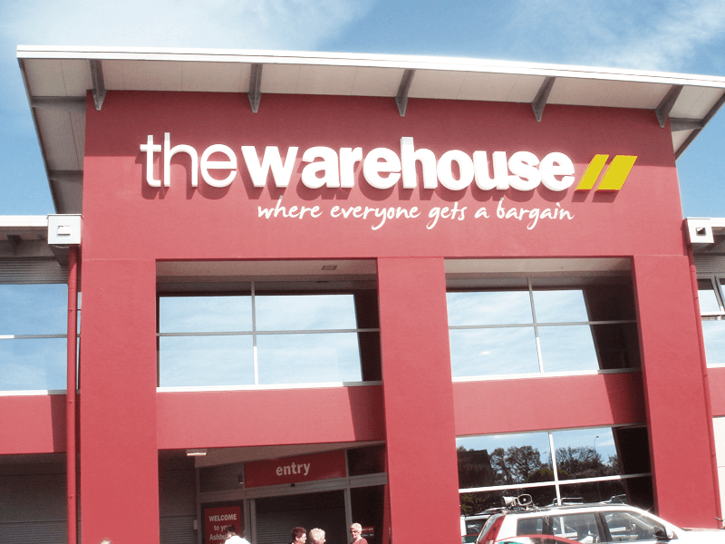 img_casestudy_thewarehouse_1